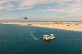 Kitesurfing in Bazaruto, Mozambique